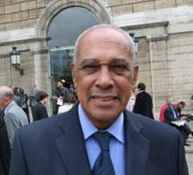 Alfred ALMON,  fait  Maire Honoraire de la ville de SCHOELCHER