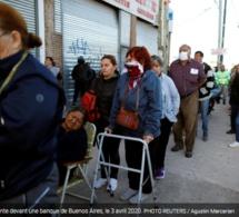 Lu pour vous ! Chaos.En Argentine, des milliers de retraités devant les banques en plein confinement