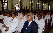 """Le Président Alfred MARIE-JEANNE, présent à l'enterrement de Johan GALVA, technicien informatique de la CTM,le 5 juillet 2018, à Saint-Joseph. (photo de """"France-Antilles)"""